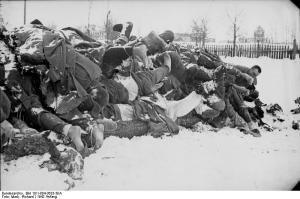 Dead Soviet soldiers in Poland, 1942. Photo by Richard Muck, via German Federal Archives and Wikimedia.