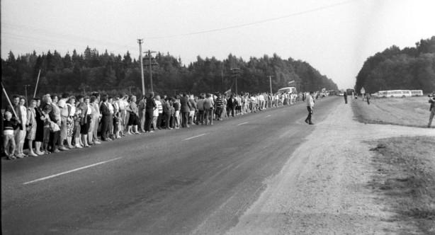 Baltic Way protest, Lithuania, 1989. Via Wikimedia user Rimantas Lazdynas.