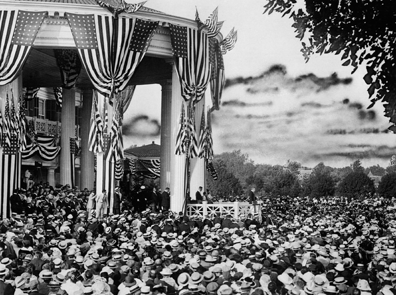 Woodrow Wilson accepts the Democratic Party nomination for U.S. President, 1916. Via Wikimedia.