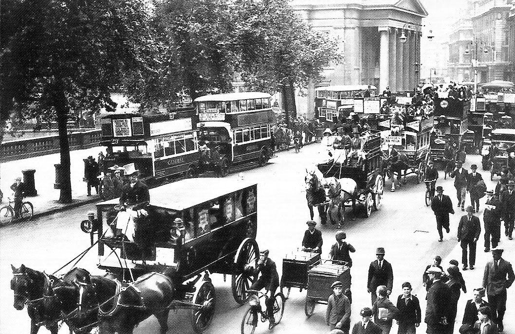 London's Trafalgar Square in 1929. Via Leonard Bentley.