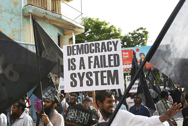 Anti-democracy, pro-Sharia public demonstration in Maldives, 2014. By RLoutfy.