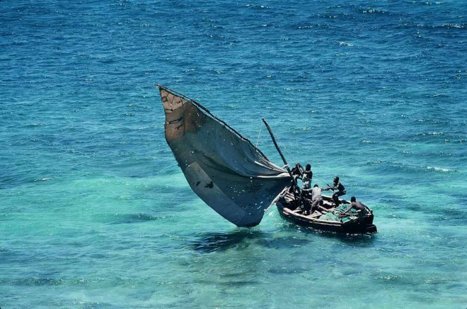 Mozambique_-_traditional_sailboat