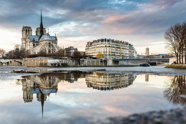 Temporary Water Mirror on Notre Dame. By Loïc Lagarde.